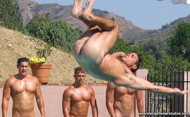 naked-man-doing-exercise